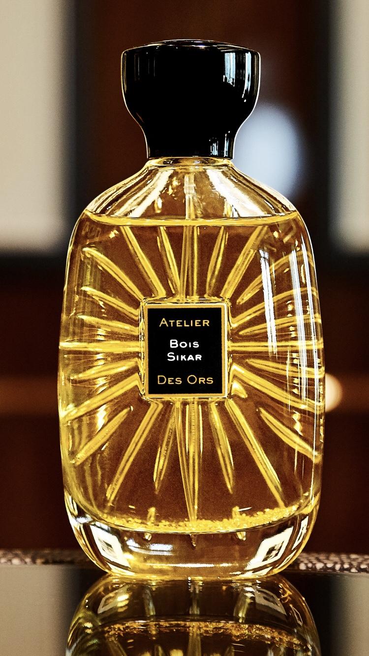 Atelier des Ors Bois SIkar bottle gold